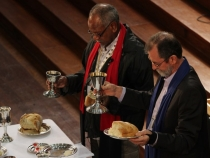 Stuart McMillan and Dennis Corowa at the final communion, 14th Assembly